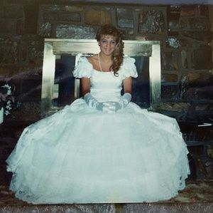 1989 Dress w Hoop Skirt